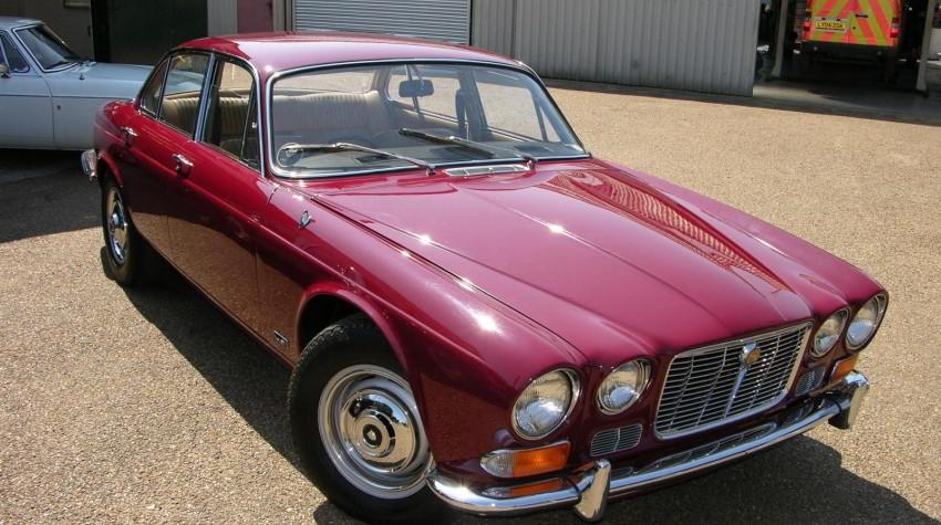 Auto collection Jaguar XJ rouge